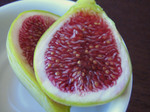 Quince_and_figs_closeup_green_fig